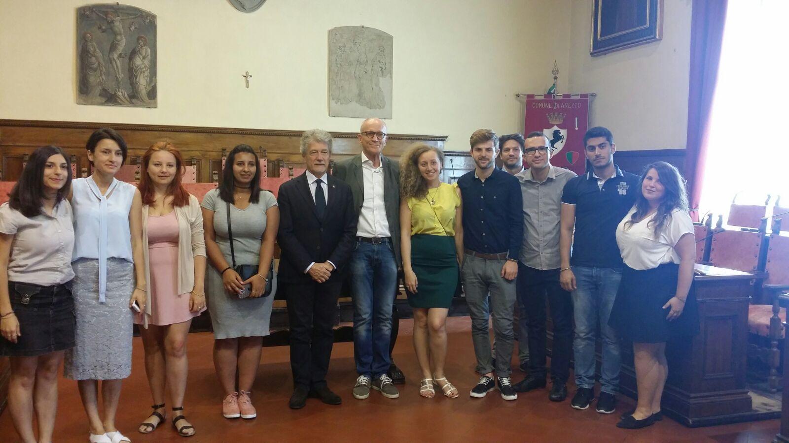"""Ghinelli ai giovani di Rondine: """"Benvenuti ad Arezzo, terra di linguaggi universali"""""""