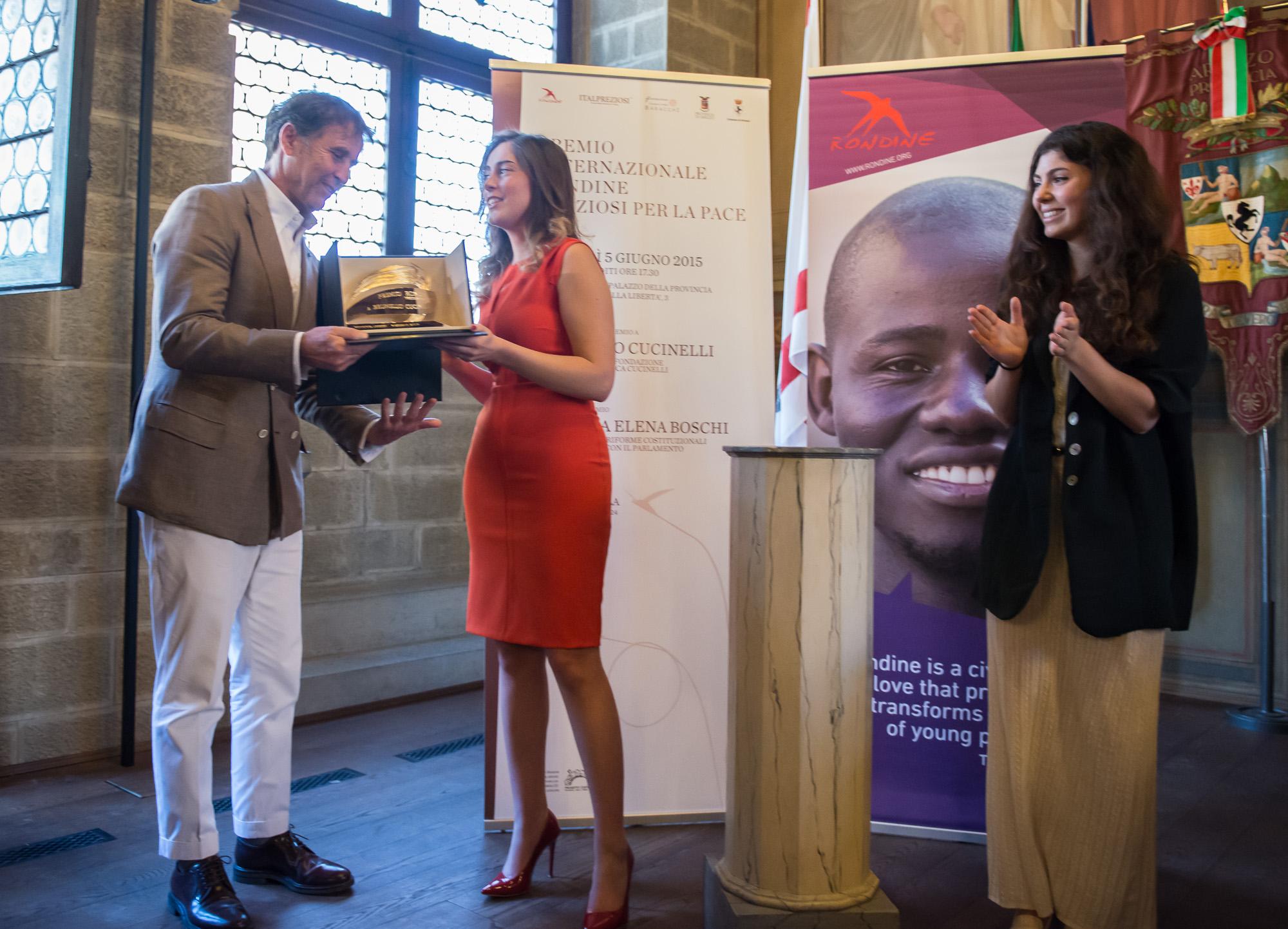 """Minister Maria Elena Boschi awarded the """"Premio Internazionale Rondine Preziosi per la Pace"""" to Brunello Cucinelli"""