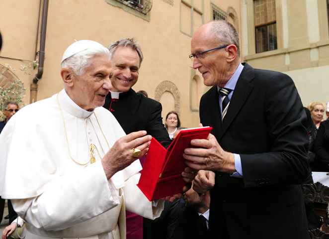 The Pope meets the students of Rondine