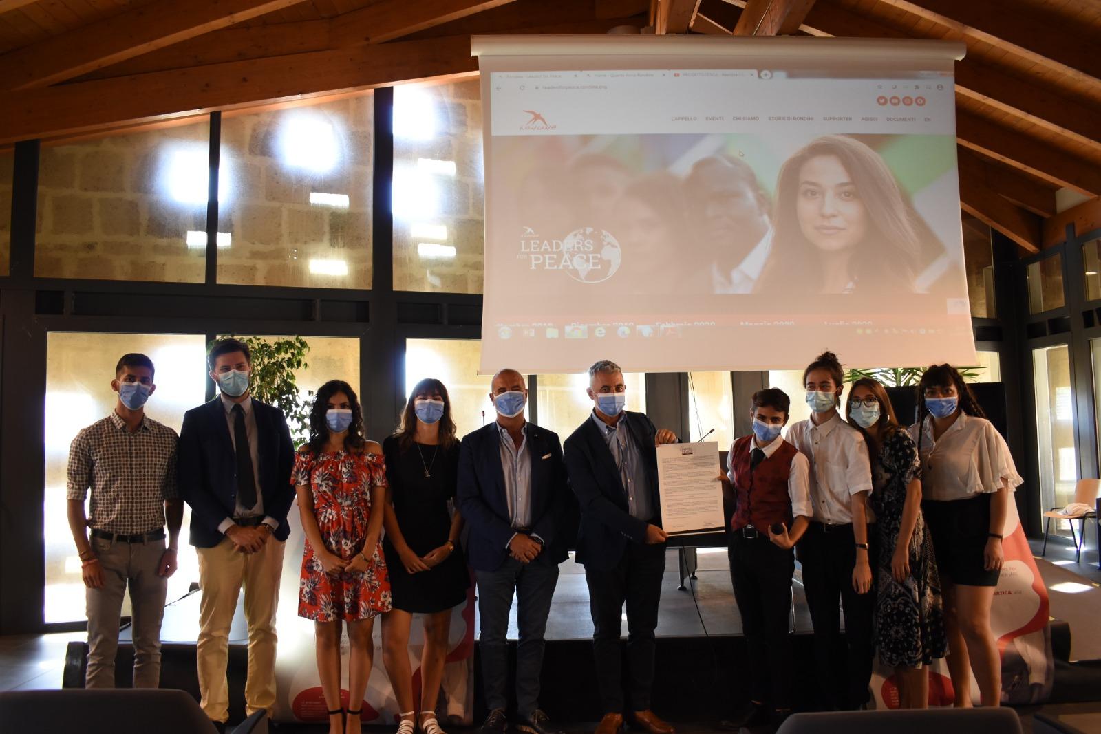 """Nasce Artica: i giovani che costruiscono il futuro della Sardegna e grazie a loro arriva il sostegno del Comune di Alghero alla campagna """"Leaders for Peace"""""""